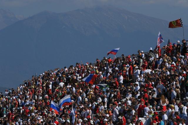 Russian Grand Prix 2020: Hamilton sảy chân, ai chớp được cơ hội? - 4