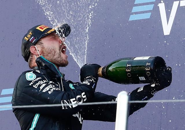 Russian Grand Prix 2020: Hamilton sảy chân, ai chớp được cơ hội? - 11