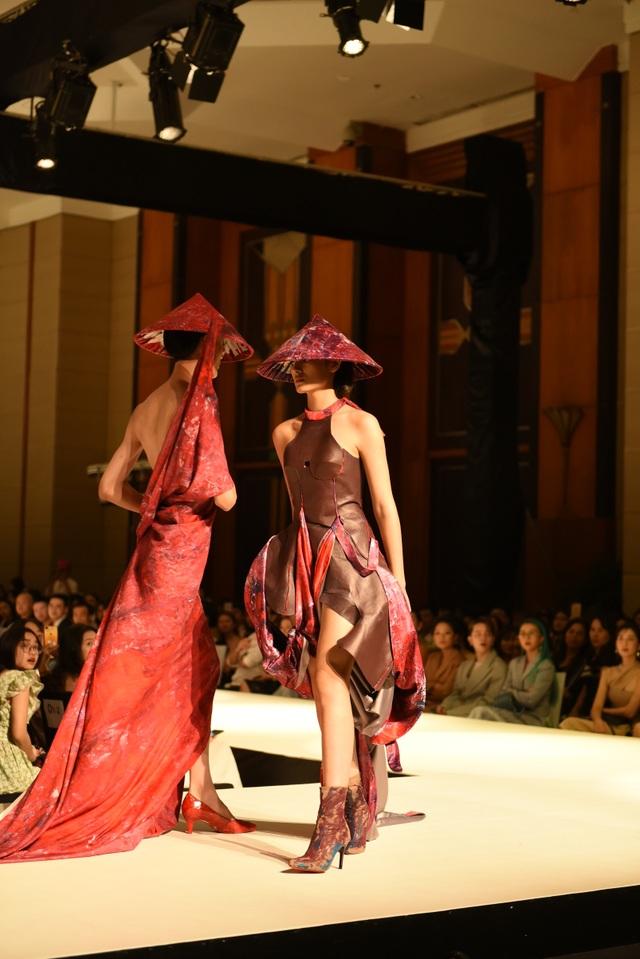 Quỳnh Anh Shyn, Quỳnh Lương lên đồ sang chảnh dự show thời trang sinh viên - 6