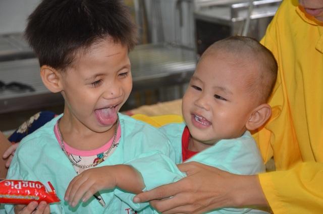 Xót xa lời khẩn cầu của người mẹ có 2 con thơ bại não - 7