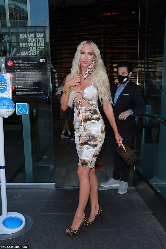 Người đẹp Christine Quinn diện váy hở bạo - 4