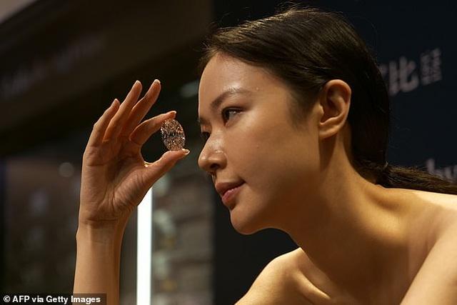 """Chiêm ngưỡng viên kim cương """"hoàn hảo"""" nhất thế giới có giá 33 triệu USD - 4"""