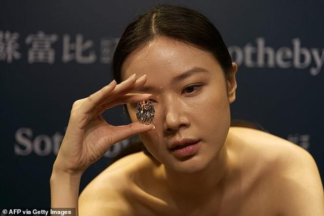 """Chiêm ngưỡng viên kim cương """"hoàn hảo"""" nhất thế giới có giá 33 triệu USD - 5"""
