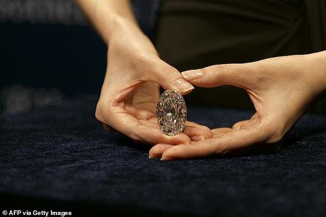"""Chiêm ngưỡng viên kim cương """"hoàn hảo"""" nhất thế giới có giá 33 triệu USD - 6"""