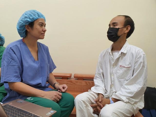 Xúc động câu chuyện các bác sĩ kí quỹ xin thay tim cho bệnh nhân nghèo - 6