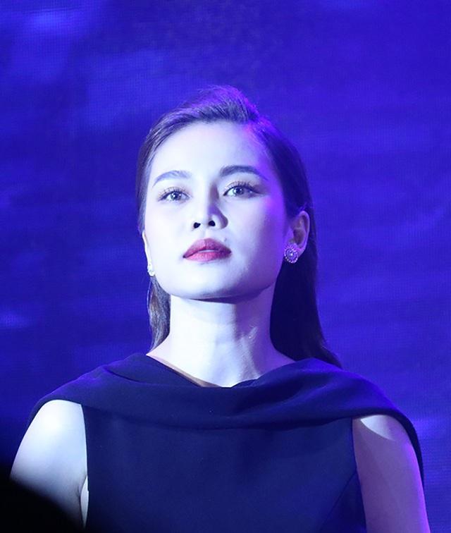 """Giang Hồng Ngọc: """"Tôi quản lý chồng và ghen ra mặt khi anh đi nhậu"""" - 4"""