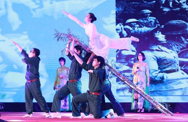 Giữ gìn và phát triển văn hóa dưới ánh sáng tư tưởng Hồ Chí Minh - 6