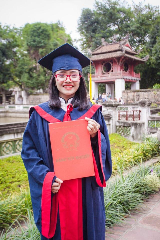 Cô giáo Hà Nội làm dự án tình nguyện vận động học sinh vùng cao mặc đồ lót - 2