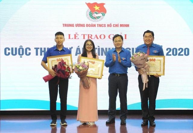 Cô giáo Hà Nội làm dự án tình nguyện vận động học sinh vùng cao mặc đồ lót - 3