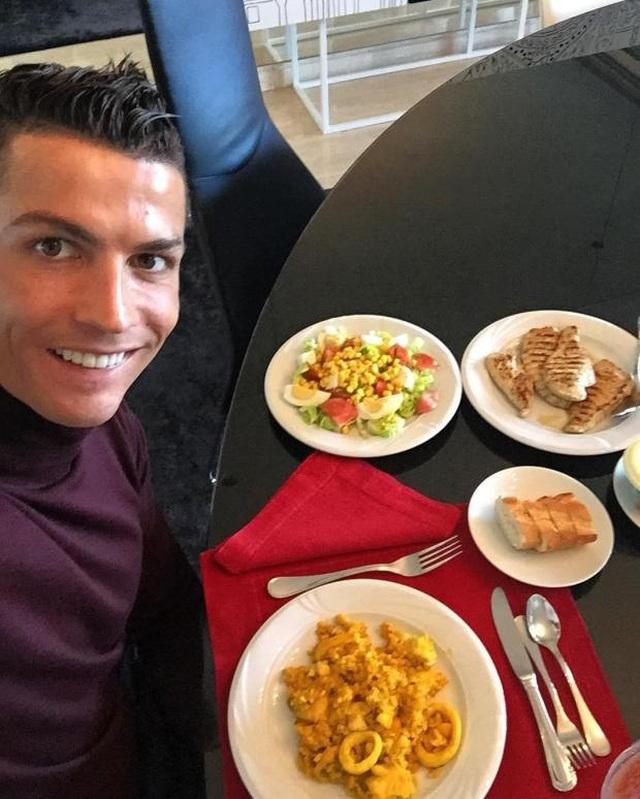 Bí quyết nào giúp C.Ronaldo bật cao tới kinh ngạc? - 11