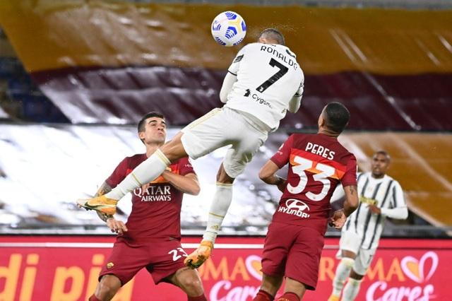 Bí quyết nào giúp C.Ronaldo bật cao tới kinh ngạc? - 1