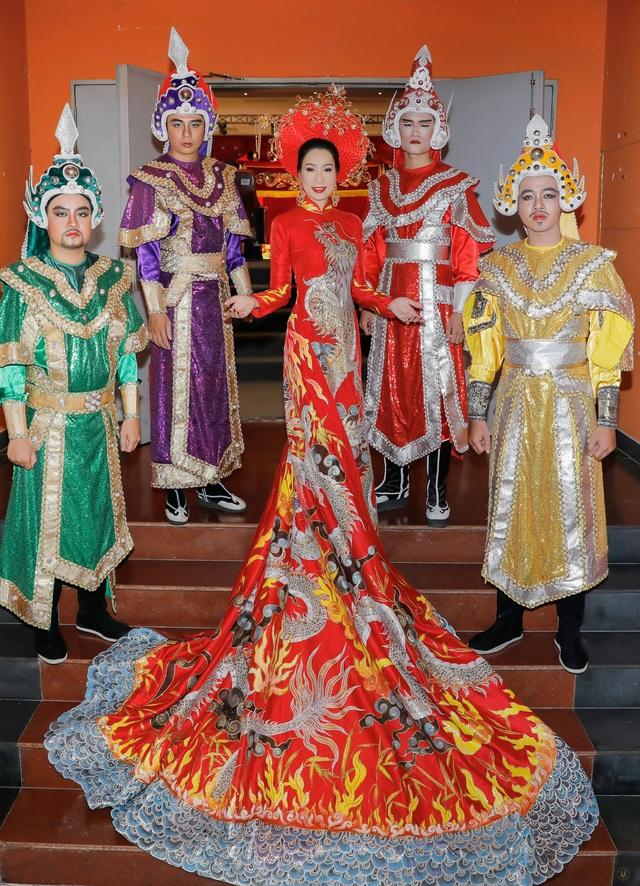 Á hậu Trịnh Kim Chi rưng rưng kể chuyện nghệ sĩ chật vật diễn không cát-xê - 1