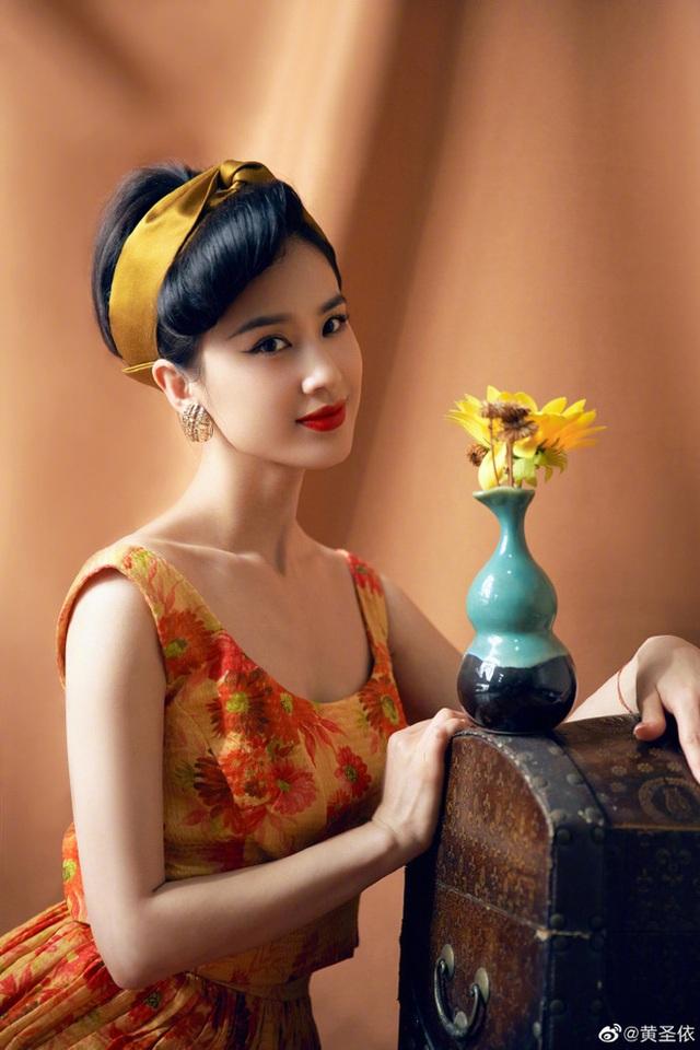 Nhan sắc quyến rũ và đời tư tai tiếng của mỹ nhân bị Châu Tinh Trì từ mặt - 12