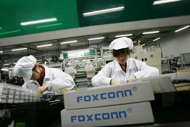 Nhà xưởng mở 24/7, công nhân làm quần quật để kịp ra iPhone 12 đúng hẹn - 2