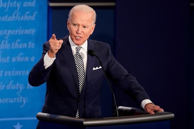 Sắc thái biểu cảm của Trump - Biden trong màn so găng đầu tiên - 9