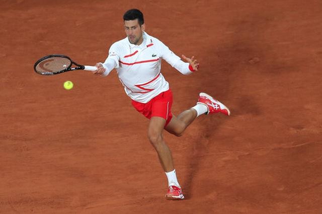 Roland Garros 2020: Djokovic khởi động nhanh, Medvedev thua sốc - 1