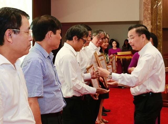 Ông Chu Ngọc Anh: Kinh tế tri thức của Thủ đô chưa phát triển mạnh - 2