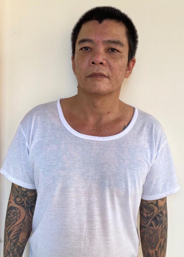 Bắt tạm giam đối tượng xăm trổ có 4 tiền án, vừa ra tù lại đi bán ma túy - 1