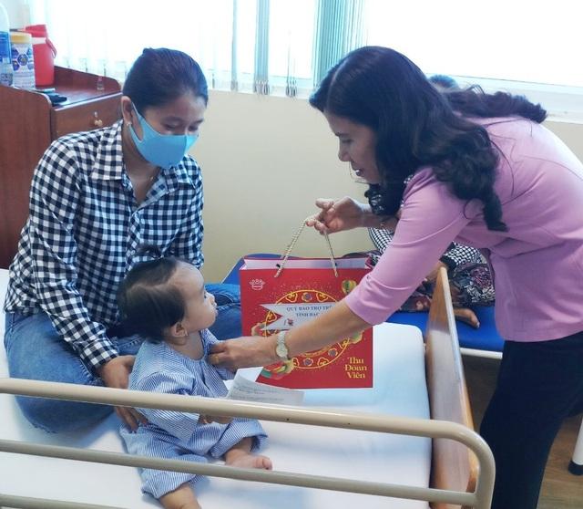 Sở LĐ-TBXH Bạc Liêu thăm, tặng quà cho trẻ em dịp Tết Trung thu - 6