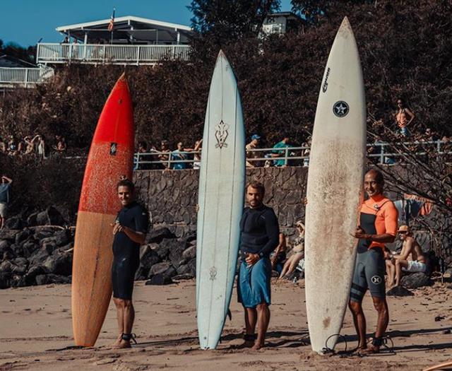 Làm mất ván lướt sóng ở Hawaii, bất ngờ tìm thấy ở... Philippines 2 năm sau - 1