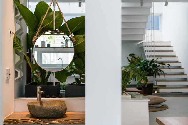 Ngôi nhà có không gian như công viên cây xanh ở ngoại ô Đà Nẵng - 12