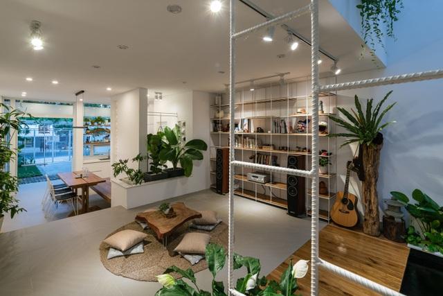 Ngôi nhà có không gian như công viên cây xanh ở ngoại ô Đà Nẵng - 3