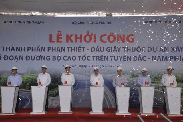 Phó Thủ tướng nhấn nút khởi công dự án cao tốc Phan Thiết - Dầu Giây - 4