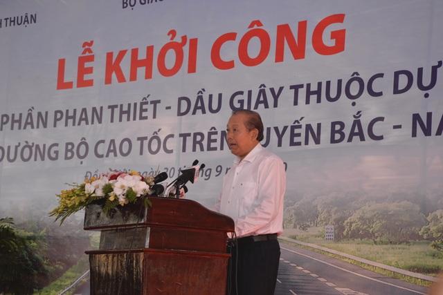 Phó Thủ tướng nhấn nút khởi công dự án cao tốc Phan Thiết - Dầu Giây - 3
