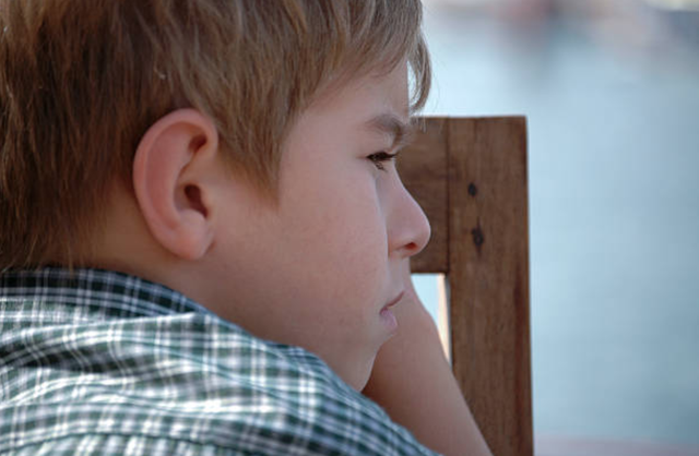 Cách nhanh nhất bạn dạy một đứa trẻ không tin vào bản thân nó là… - 1