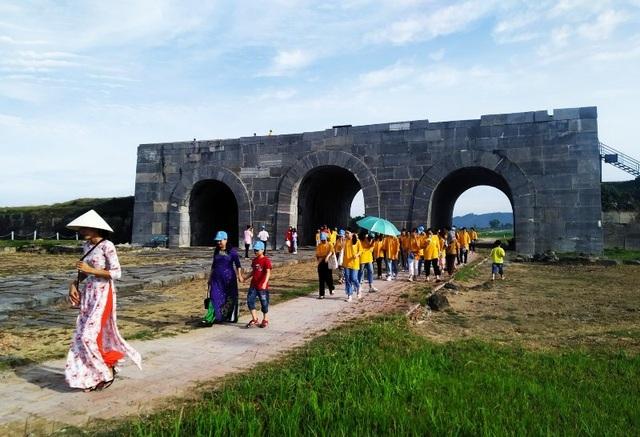 Giảm giá vé tham quan công trình kiến trúc độc nhất vô nhị tại Việt Nam - 1