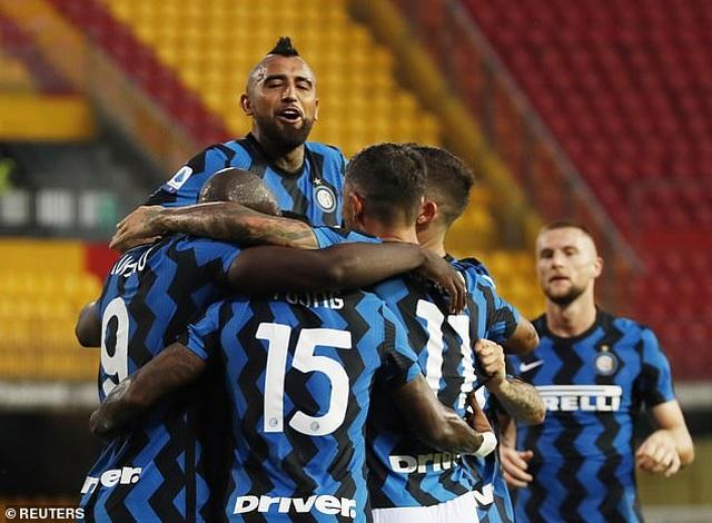 Lukaku tỏa sáng rực rỡ, Inter tiếp tục tạo nên cơn mưa bàn thắng - 1