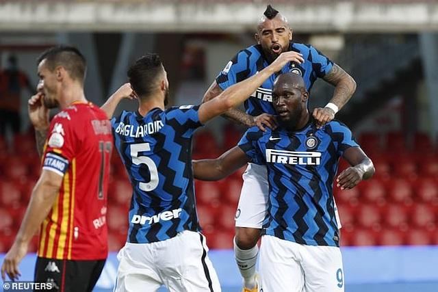 Lukaku tỏa sáng rực rỡ, Inter tiếp tục tạo nên cơn mưa bàn thắng - 2