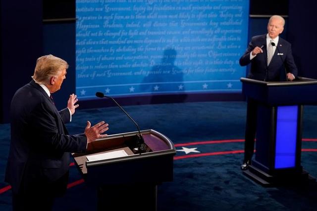 Chất xúc tác khiến tranh luận Trump - Biden trở nên hỗn loạn - 1