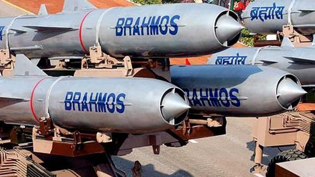 Ấn Độ đưa tên lửa BrahMos tới gần biên giới Trung Quốc - 1