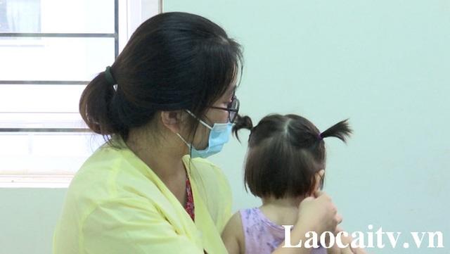 Công an điều tra người đàn ông hành hung cháu bé 2 tuổi ở trường mầm non - 2