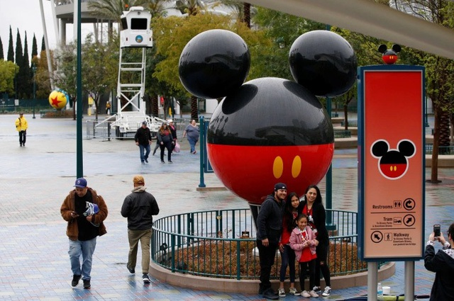 Disney cắt giảm 28.000 nhân sự vì đại dịch Covid-19 - 1