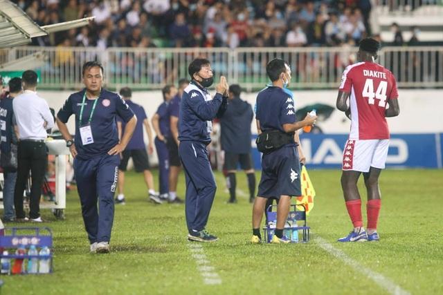 Thắng đậm CLB TPHCM, HA Gia Lai giành suất tranh ngôi vô địch V-League - 9