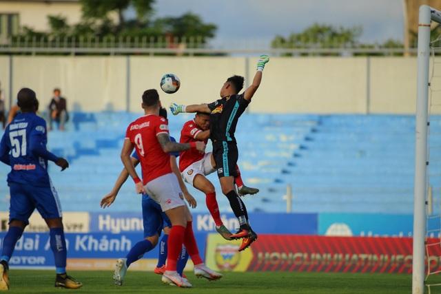 Đánh bại Quảng Nam, HL Hà Tĩnh lọt top 8 đua tranh ngôi vô địch - 3