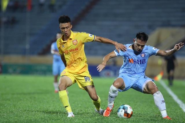 CLB Nam Định giành 3 điểm sân nhà, SHB Đà Nẵng phải đua trụ hạng - 2