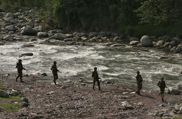 Ấn Độ cáo buộc Pakistan tấn công làm 3 binh sĩ thiệt mạng - 1
