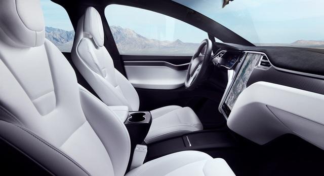 Sự nhầm lẫn tai hại của người dùng về khả năng tự lái của xe Tesla - 1