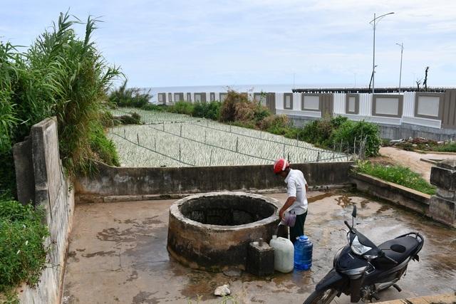 Kỳ lạ giếng cổ hàng trăm năm tuổi, quanh năm không cạn nước ở Quảng Ngãi - 1