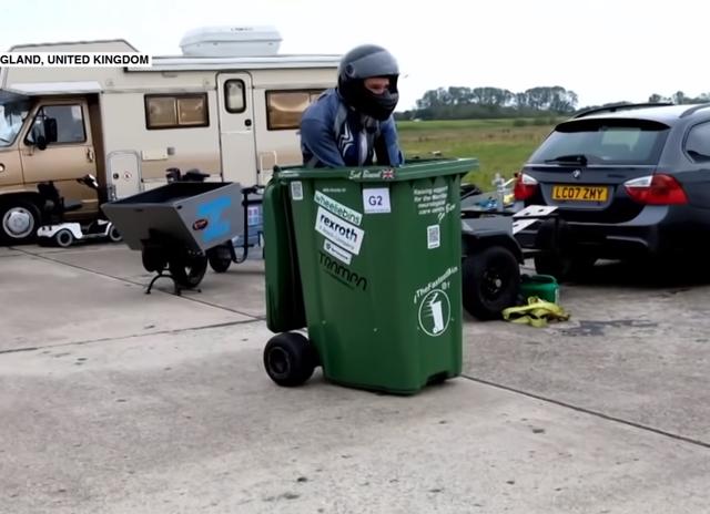 Kỹ sư biến thùng rác thành xe đua đạt vận tốc 73 km/h - 1