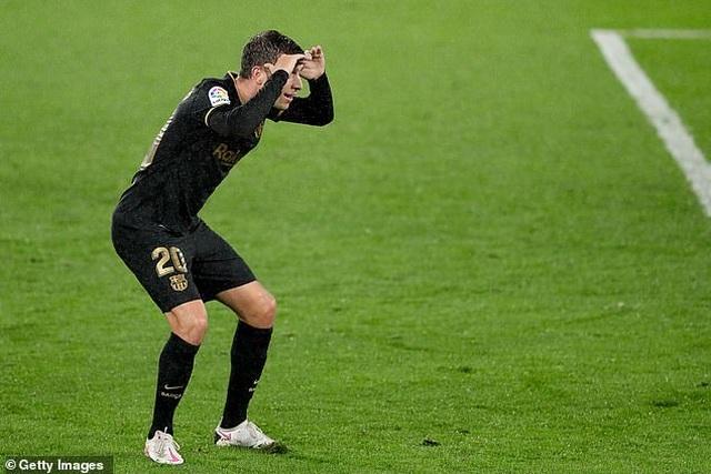 Messi ghi dấu ấn, Barcelona tiếp tục thắng đậm ở La Liga - 4