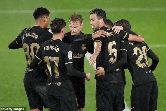 Messi ghi dấu ấn, Barcelona tiếp tục thắng đậm ở La Liga - 7