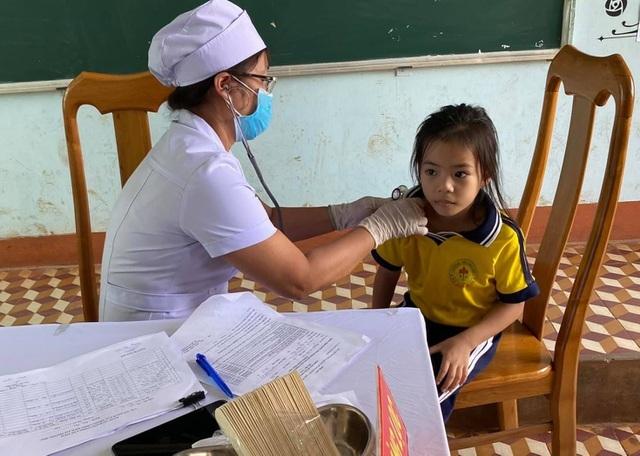 Một học sinh tử vong do bạch hầu, hơn 100 em khác phải nghỉ học cách ly - 1