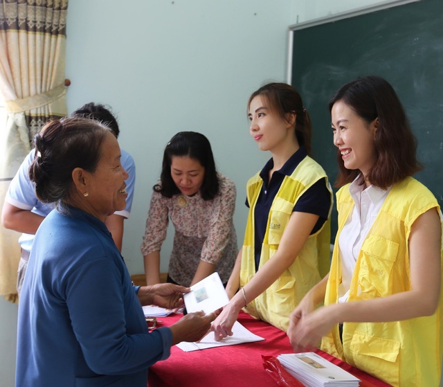 Hơn 1.400 học sinh CapitaLand Hope nhận quà và học bổng dịp Trung thu - 4