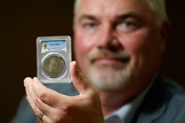 Có gì đặc biệt mà khiến đồng xu nhỏ bé có giá hơn 230 tỷ đồng? - 2