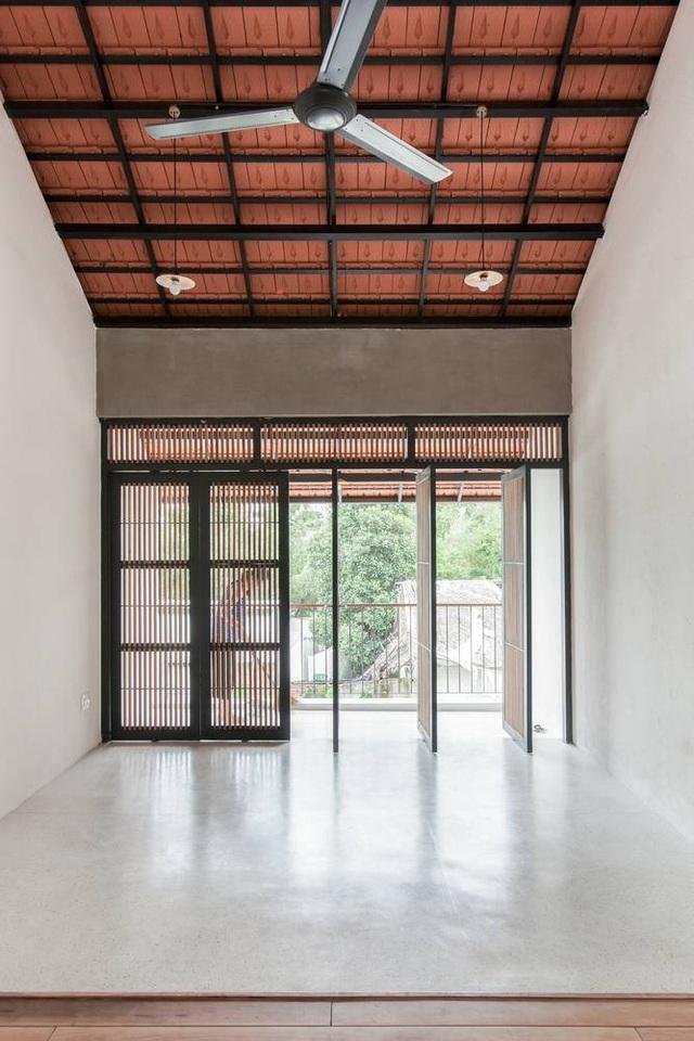 """Nhà 3 tầng chỉ nhìn thấy mái """"càng khám phá, càng bất ngờ"""" ở Sài Gòn - 7"""