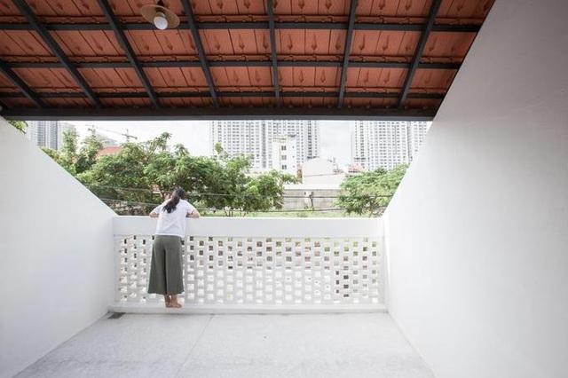 """Nhà 3 tầng chỉ nhìn thấy mái """"càng khám phá, càng bất ngờ"""" ở Sài Gòn - 11"""